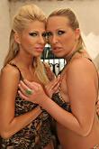 Clara G & Mandy pic #4