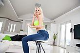 Lynna Nilsson pic #4