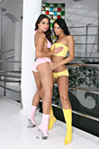 Lara & Zafira pic #3