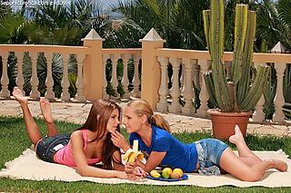 Garden Affair pic #4