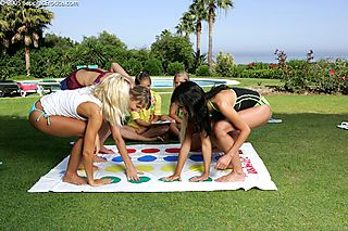 Twister Orgy pic #2