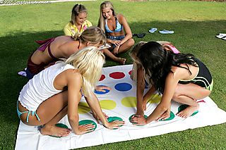 Twister Orgy pic #4