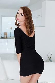Leyla Peachbloom pic #2